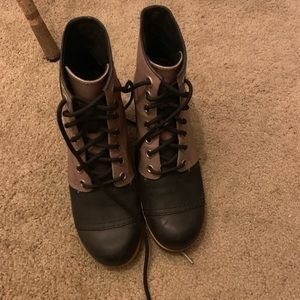 Sorel lace up waterproof wedges